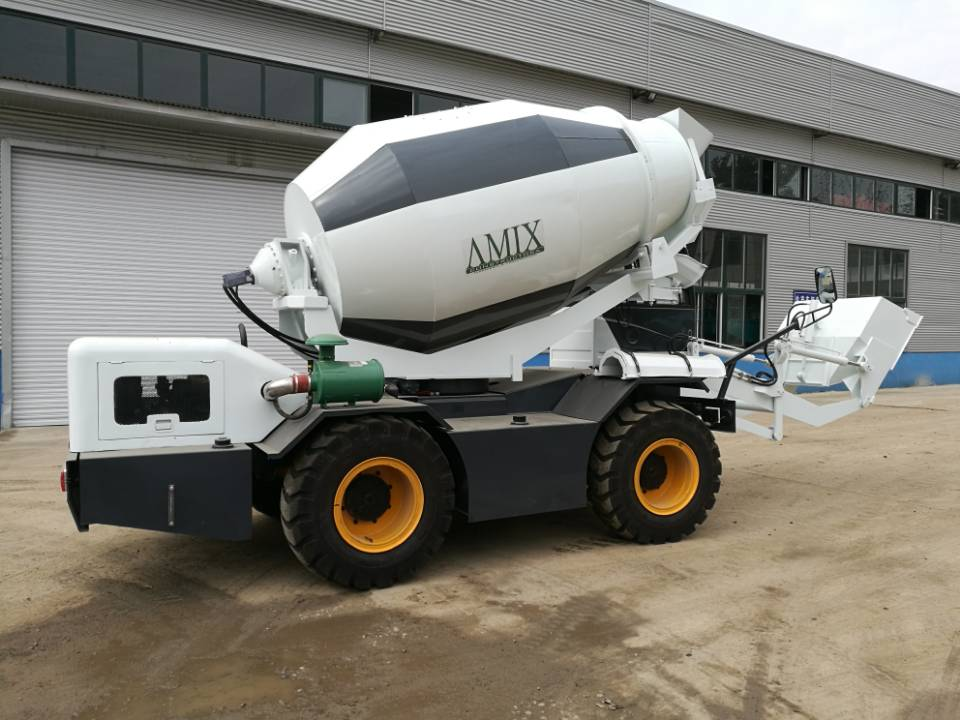 concrete mixer self loading