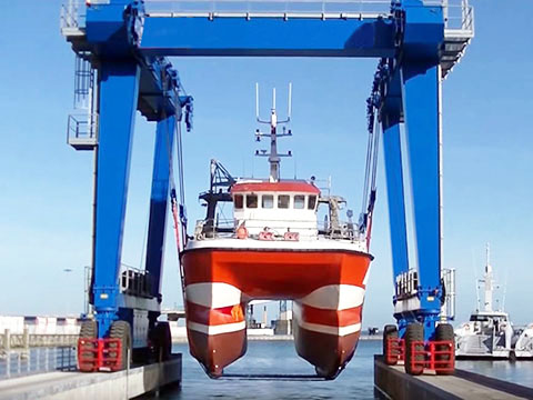 25 ton marine travel lift